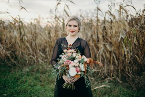 Rocknroll bridal look bouquet