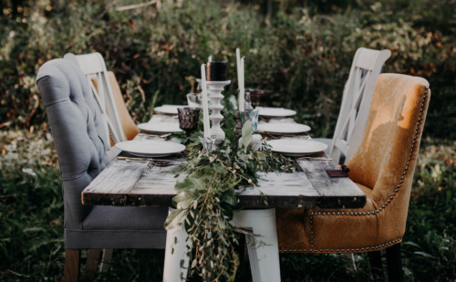 Outdoor table garland greenery wedding